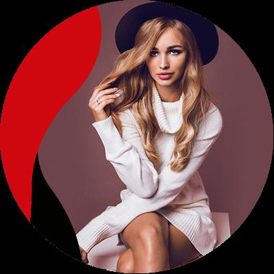 Fashion Trends - mujer con vestido blanco y sombrero