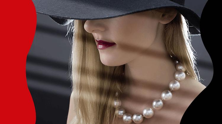 FashionTrends-Las perlas son consideradas como un accesorio de lujo y puedes utilizarlas a cualquier hora del día