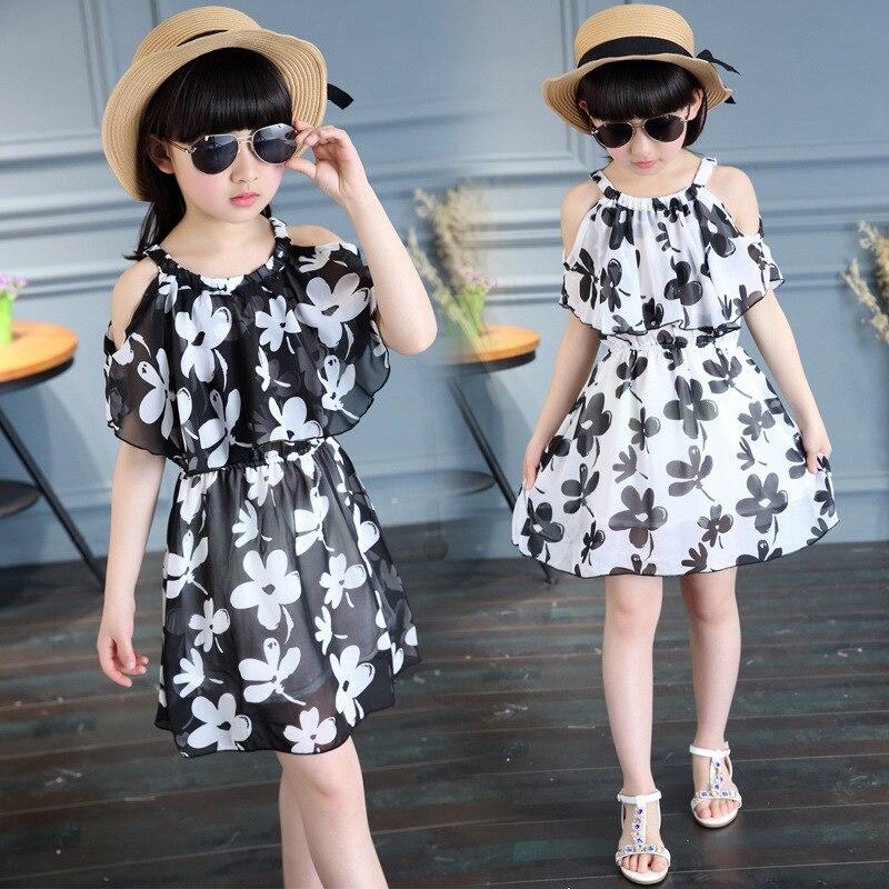 Fashion Trends MX- Las niñas también tienen derecho a vestir a la moda, siempre y cuando lleven puesto un look que les aporte frescura y comodidad. Es por ello, que la próxima vez que vayas de compras debes saber cuáles son las prendas de vestir que no pueden faltar en el armario de las niñas - Titulo