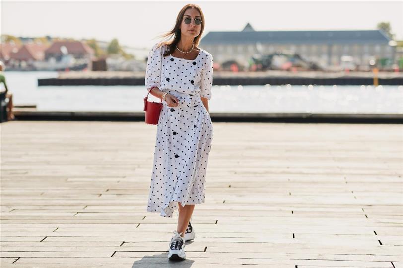 Fashion Trends MX - Combina tus vestidos largos con zapatillas deportivas - Portada